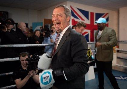 Farage rechaza retirar los candidatos de su partido en escaños en los que los laboristas son favoritos
