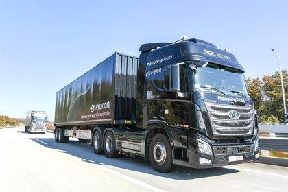 Hyundai Motor supera con éxito su primera prueba de conducción autónoma con camiones en convoy