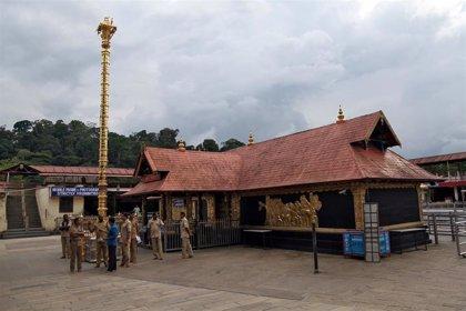 El Tribunal Supremo revisará de nuevo el veto a las mujeres en el templo hindú de Sabarimala