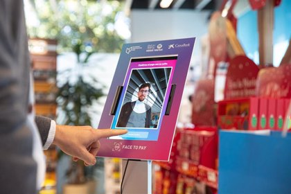 La tienda Nestlé Market en Esplugues (Barcelona) habilita el pago de compras a través de selfis