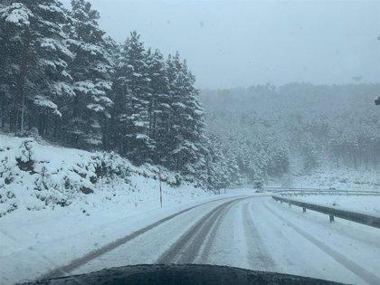 Tres puertos precisan de cadenas para circular en La Rioja por la presencia de nieve en la calzada