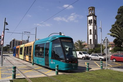 Programan tranvías dobles para 'La Noche en Blanco' de La Laguna