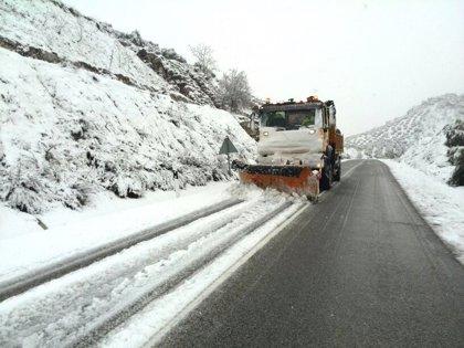 Movilizados en Jaén más de 100 profesionales y 16 equipos quitanieves por la previsión de nevadas