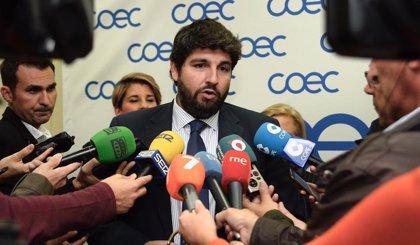"""López Miras: """"Corresponde al Ministerio frenar los 13 millones de litros de vertidos diarios al Mar Menor"""""""