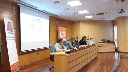 Especialistas y pacientes debaten sobre la esclerosis múltiple en la ciudad de Jaén