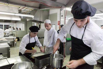 Turismo invertirá 776.000 euros en la renovación de los Hoteles Escuela