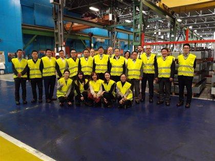 Una delegación de China visita empresas de automoción en Bizkaia  acompañada del subdelegado del Gobierno