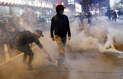 Muere un hombre herido el miércoles por un ladrillo lanzado durante las protestas en Hong Kong