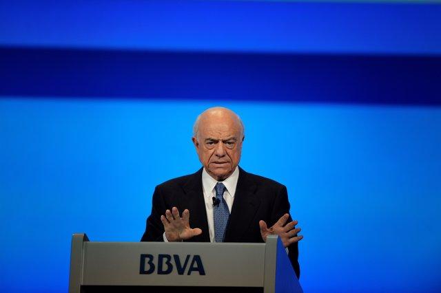 El expresidente de BBVA Francisco González interviene una reunión del BBVA