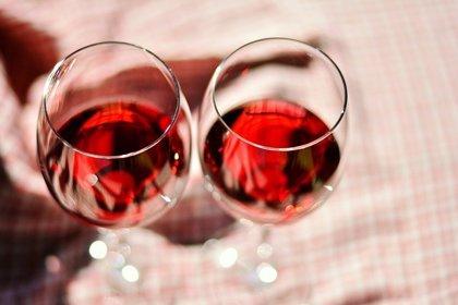 UGT y CCOO en Cyl alertan del incremento del consumo de alcohol entre la población activa