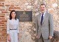 Los Reyes rinden homenaje a los caídos españoles en Santiago de Cuba en 1898 al final de su viaje de Estado
