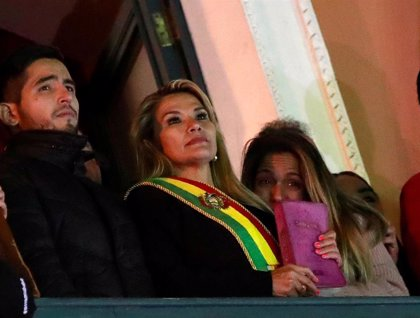 Bolivia.- Jeanine Añez completa su Gabinete y nombra a otros cinco ministros