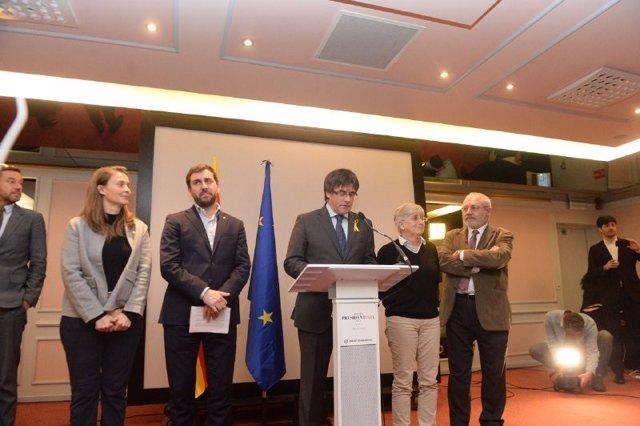 Meritxell Serret, Toni Comín, Carles Puigdemont, Clara Ponsatí i Lluís Puig (arxiu)
