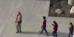 Moren dues persones en un tiroteig en un institut prop de Los Angeles (VIA REUTERS / HANDOUT .)