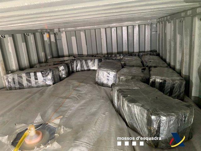 Confiscats 500 quilos de cocaïna ocults en un contenidor al Port de Barcelona.