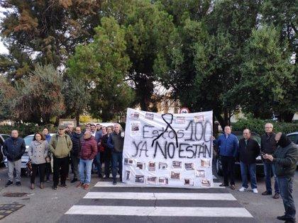 Los comerciantes de San Juan protestan en el Ayuntamiento por la reordenación de tráfico y prevén más acciones