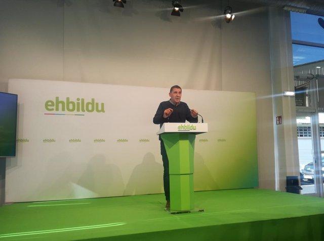 El coordinador d'EH Bildu, Arnaldo Otegi, valora a Sant Sebastià el preacord PSOE-Unides Podem