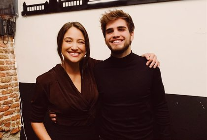 Pablo Moreno canta a las despedidas en su nuevo videoclip con Georgina: 'Reina de las victorias'