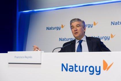 Barclays augura que Naturgy sufrirá menos los cambios regulatorios por su diversificación