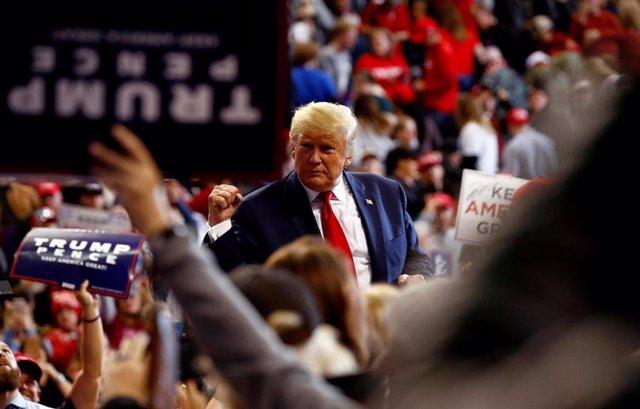 El presidente de EEUU, Donald Trump,  en un mitin electoral en Kentucky