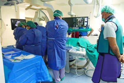 Expertos defienden la cirugía mínimamente invasiva pero avisan de que los cirujanos deben saber hacer cirugía abierta