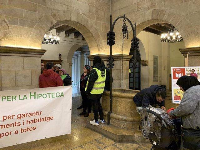 Protesta de la PAH a l'Ajuntament de Lleida aquest divendres