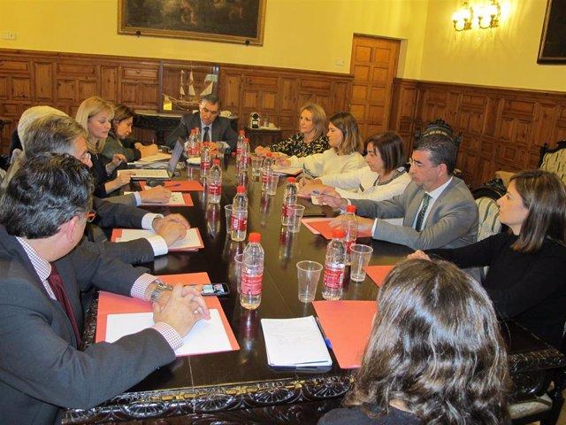 Imagen de la renovación del convenio de formación entre la Consejería de Justicia y el Consejo General del Poder Judicial, rubricada este viernes.