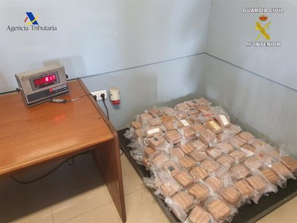 Detenida en Melilla una pareja con 81 kilos de hachís ocultos en su coche