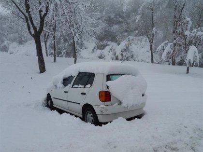 Precaución por nieve en la N-1 en el Puerto de Etzegarate (Gipuzkoa) y en la A-15 Navarra-Andoain