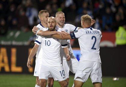 Italia se acerca al pleno de puntos y Finlandia se clasifica por primera vez para una Eurocopa