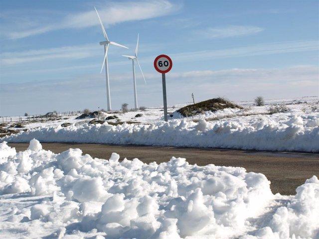 Nieve en carreteras de puertos de Cantabria. Imagen de archivo