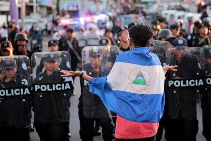 La Policía de Nicaragua detiene a trece opositores a su salida de una parroquia en Masaya