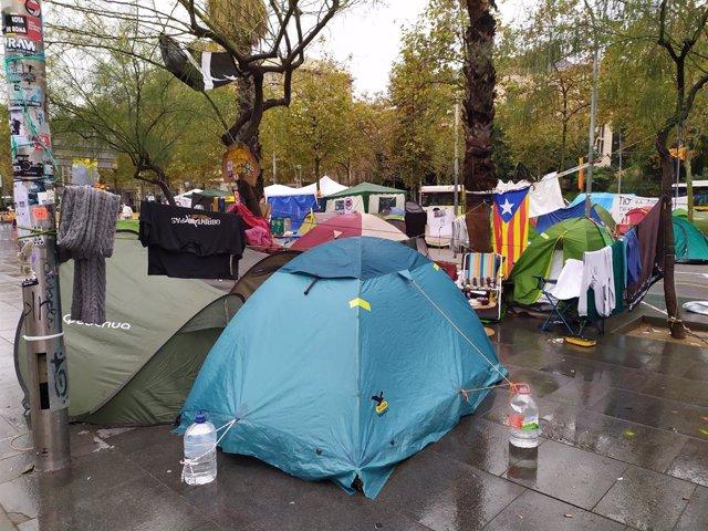 Acampada de la plaça Universitat de Barcelona.