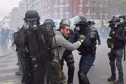 Enfrentamientos en París durante el primer aniversario de las protestas de los 'chalecos amarillos'
