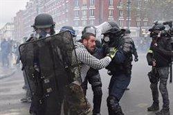 Enfrontaments a París durant el primer aniversari de les protestes dels Armilles Grogues (Julien Mattia/Zuma Press/dpa)