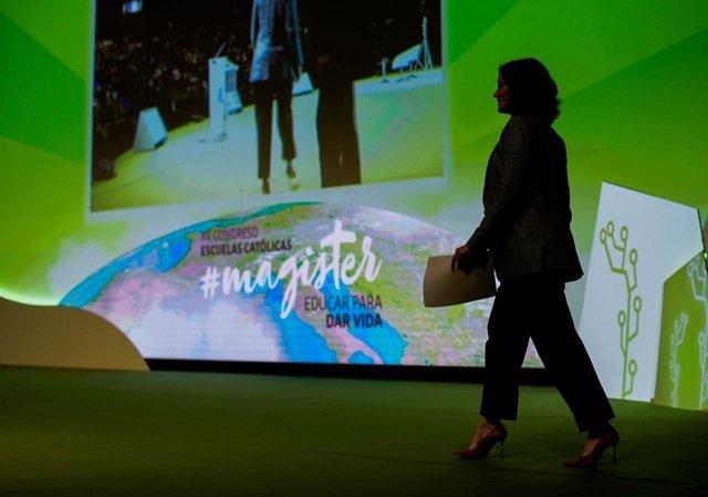 La presidenta de la Comunidad de Madrid, Isabel Díaz Ayuso, participa en el XV Congreso de Escuelas Católicas.