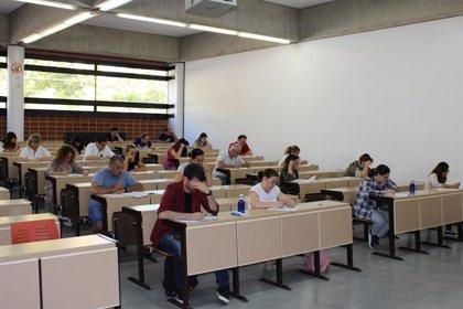 """Junta habla de """"éxito"""" en el cierre de la primera fase de los exámenes de las OEP de Administración General 2017 y 2018"""