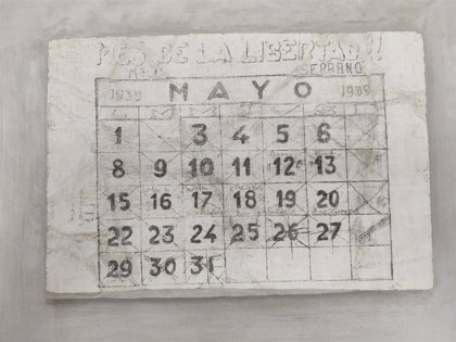 El monasterio de Oia inaugura una exposición con dibujos y firmas hechos en sus paredes por presos de la Guerra Civil