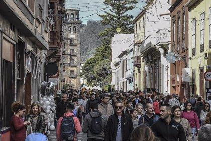 Miles de personas vuelven a disfrutar de una nueva edición de La Noche en Blanco de La Laguna