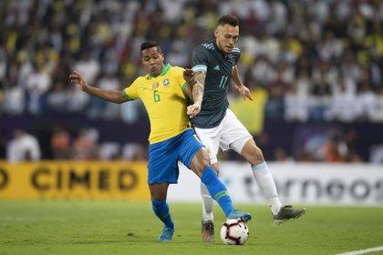 Lucas Ocampos abandona la concentración de Argentina con molestias musculares