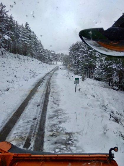 Dos puertos de la red secundaria riojana precisan de cadenas para circular por nieve en la calzada