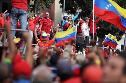 """El 'chavismo' sale a la calle en apoyo a la revolución bolivariana y contra el """"fascismo"""" en Bolivia"""