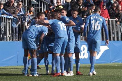 El Fuenlabrada, en ascenso directo tras un nuevo empate del Almería de Guti