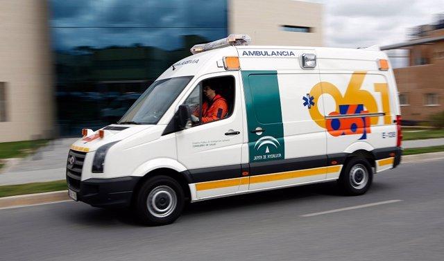 Seis heridos, tres de ellos niños, en una colisión entre dos turismos en la A-7 en Fuengirola (Málaga)