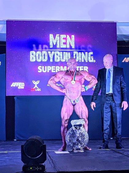El lorquino Juanmi Sanz se proclama en Acapulco (México) bicampeón de Mister Universo en la categoría Super Master 50