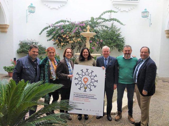 Amo (centro) presenta el encuentro para especialistas en vinos y vinagres de Montilla-Moriles