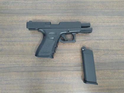 """La Policía Nacional detiene a un joven por amenazas """"graves"""" con un arma simulada en Palma"""