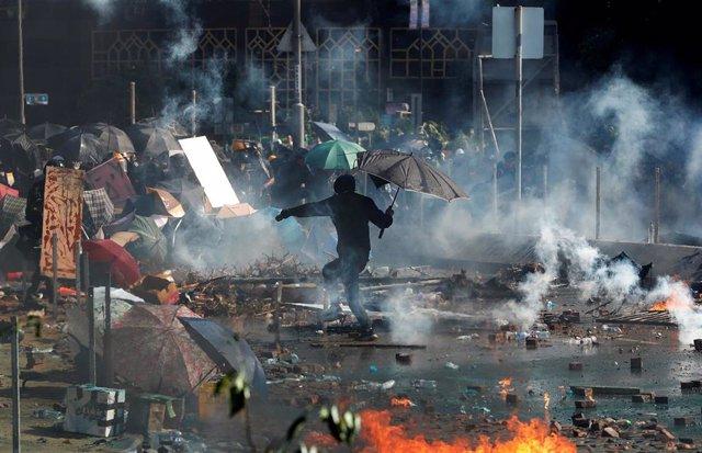 Enfrentamientos en la Politécnica de Hong Kong