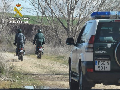Investigan a una pareja grabada por un vecino abandonando a su perro en Peligros (Granada)