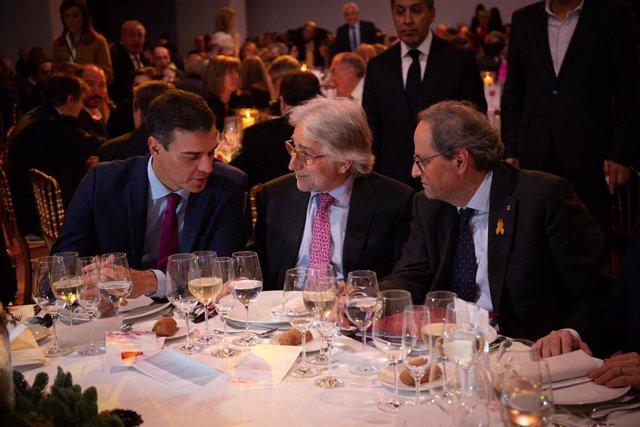 El president del Govern, Pedro Sánchez; el president de Foment del Treball, Josep Sánchez Llibre, i el president de la Generalitat, Quim Torra.